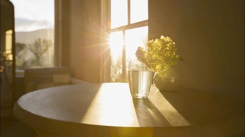 تابش نور خورشید به ساختمان